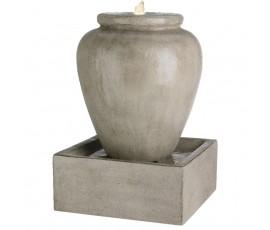 Fuente en forma de jarrón